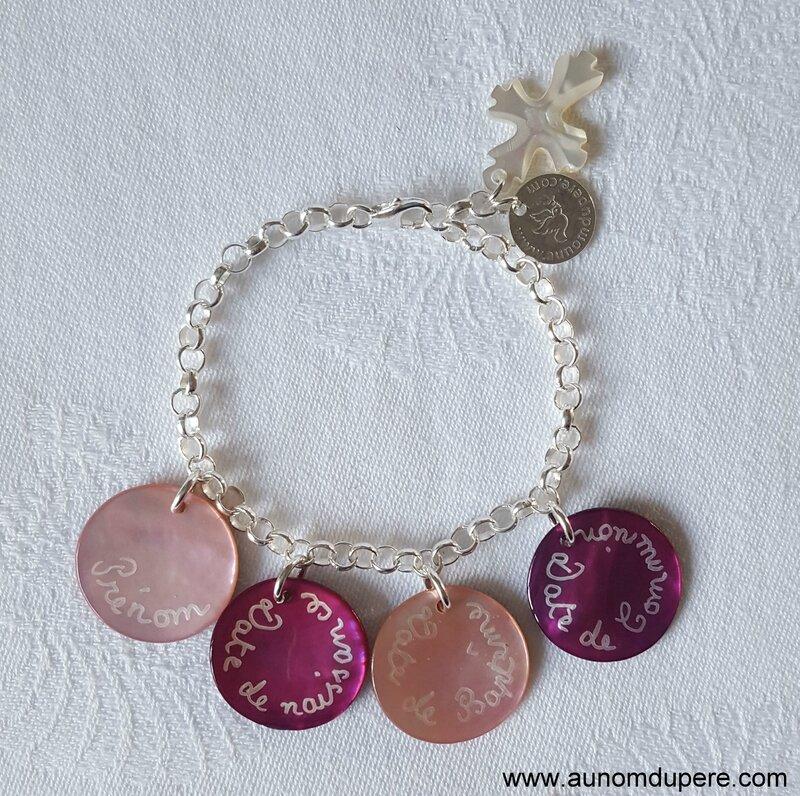 Bracelet de Communion (rose) - 33 € sur chaîne métal ; 60 € sur chaîne argent massif
