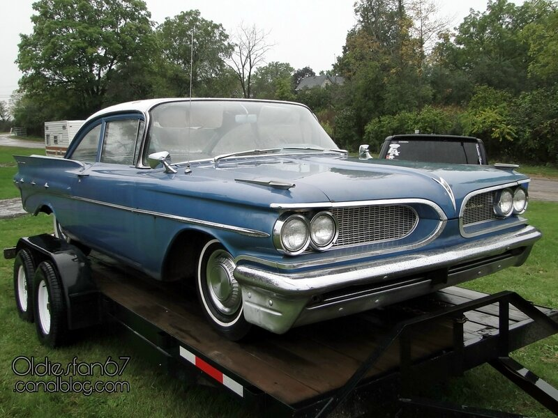pontiac-laurentian-2door-sedan-1959-01