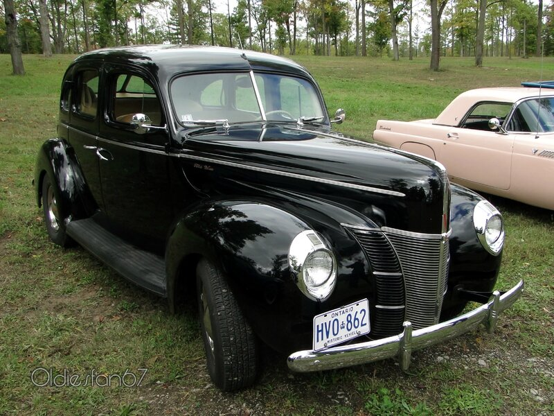 ford-deluxe-fordor-sedan-1940-a