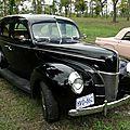 Ford deluxe fordor sedan-1940