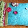coussin laine feutrée turquoise