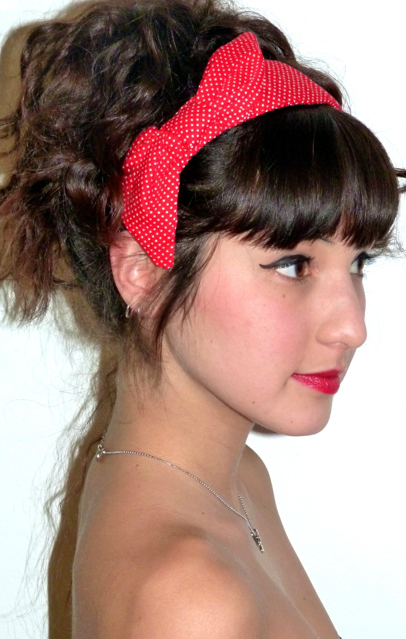 foulard pin up cheveux finest coiffure avec un bandana cheveux u coiffures cool et tutoriels. Black Bedroom Furniture Sets. Home Design Ideas