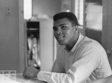 1964_Cassius_Clay_the_geatest_4