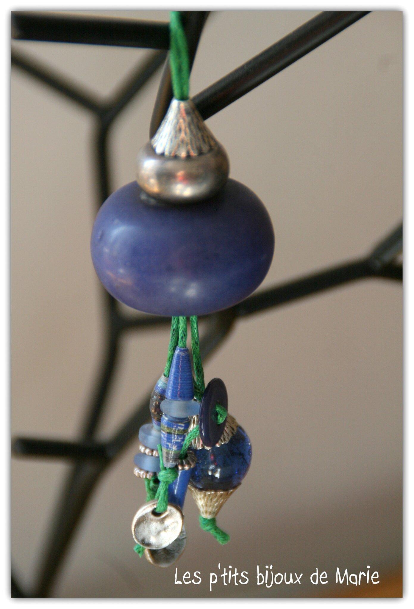 Sautoir bleu et vert 1