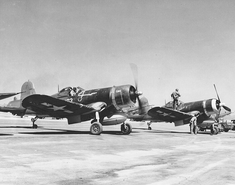 VMF-321_F4U-1D_Corsairs_on_Iwo_Jima_1945
