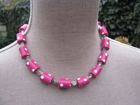 collier_tube_fushia