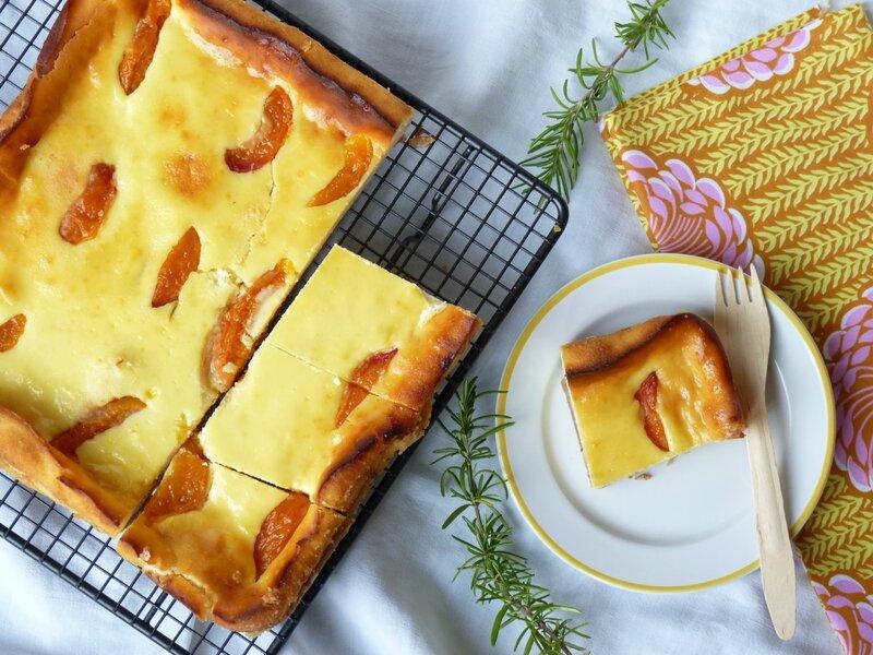 Tarte ricotta aux abricots rôtis au romarin