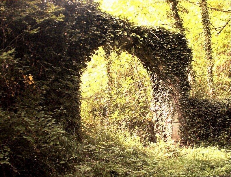 porte du château au bois dormant
