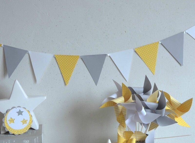 decoration bapteme baby shower mariage anniversaire theme etoile guirlande fanions jaune gris blanc moulin a vent faire part rond