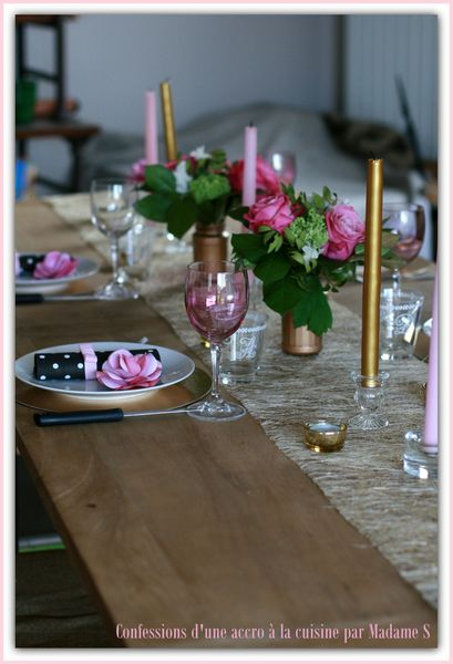 Table rose et or 001