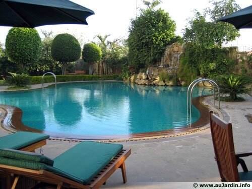 sel ou chlore pour ma piscine une piscine la maison. Black Bedroom Furniture Sets. Home Design Ideas