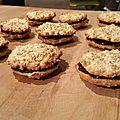 Palets aux flocons d'avoine fourrés chocolat et daim