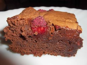 C05_A_023_01_Brownies_chocoframboises___gel_e_de_groseilles