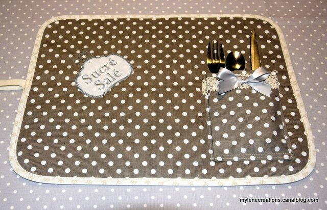 Set table pois