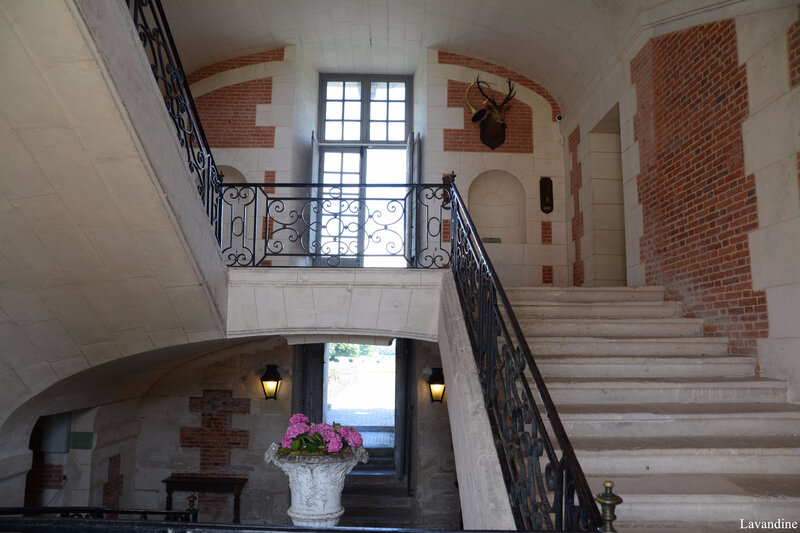 beaumesnil grand escalier 31 07 (2)
