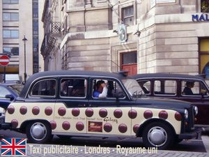 waiting_canalblog_2003_11_Londres_AMd44_Taxi_publicit__chocolat