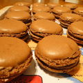 MACARONS AUX TROIS CHOCOLATS