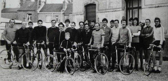 1129) les passionnés de vélo du Chantier de France Dunkerque