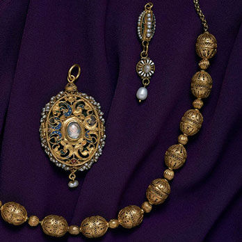 National museum of scotland explores the myths that for Mary queen of scots replica jewelry