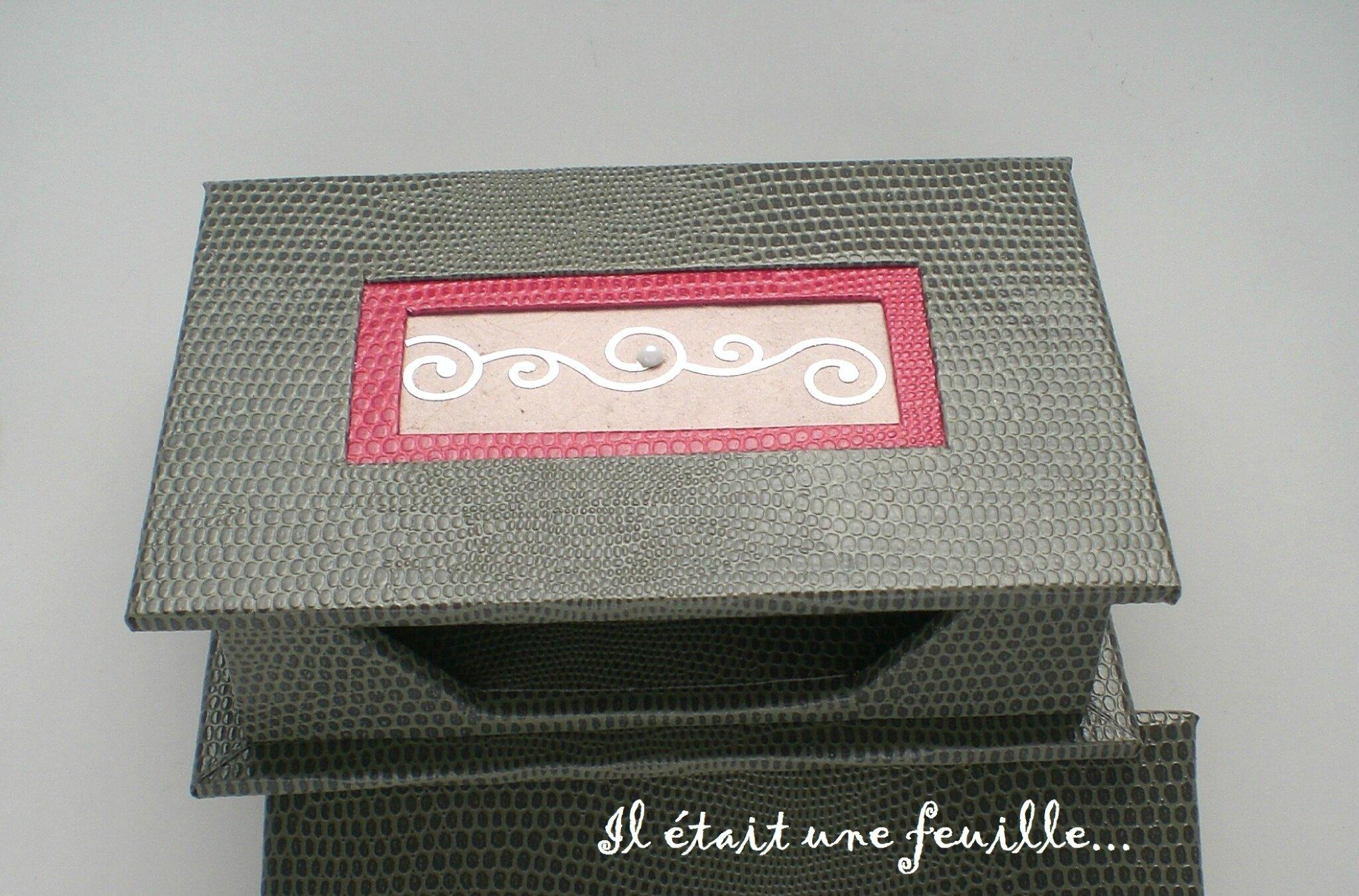 boite pour cartes de visite photo de boites il tait une feuille. Black Bedroom Furniture Sets. Home Design Ideas