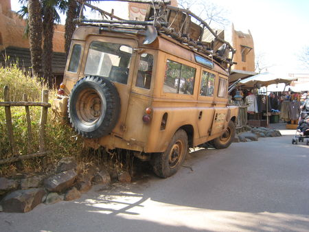 Land_rover_adventureland_02