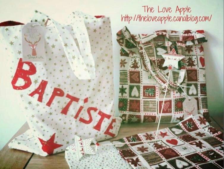 Des sacs en tissus pour emballer les cadeaux de Noël