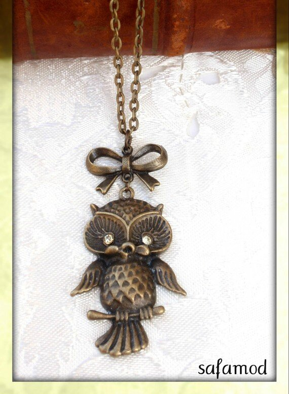 Collier pendentif chouette hibou yeux strass jaunes ruban noeud