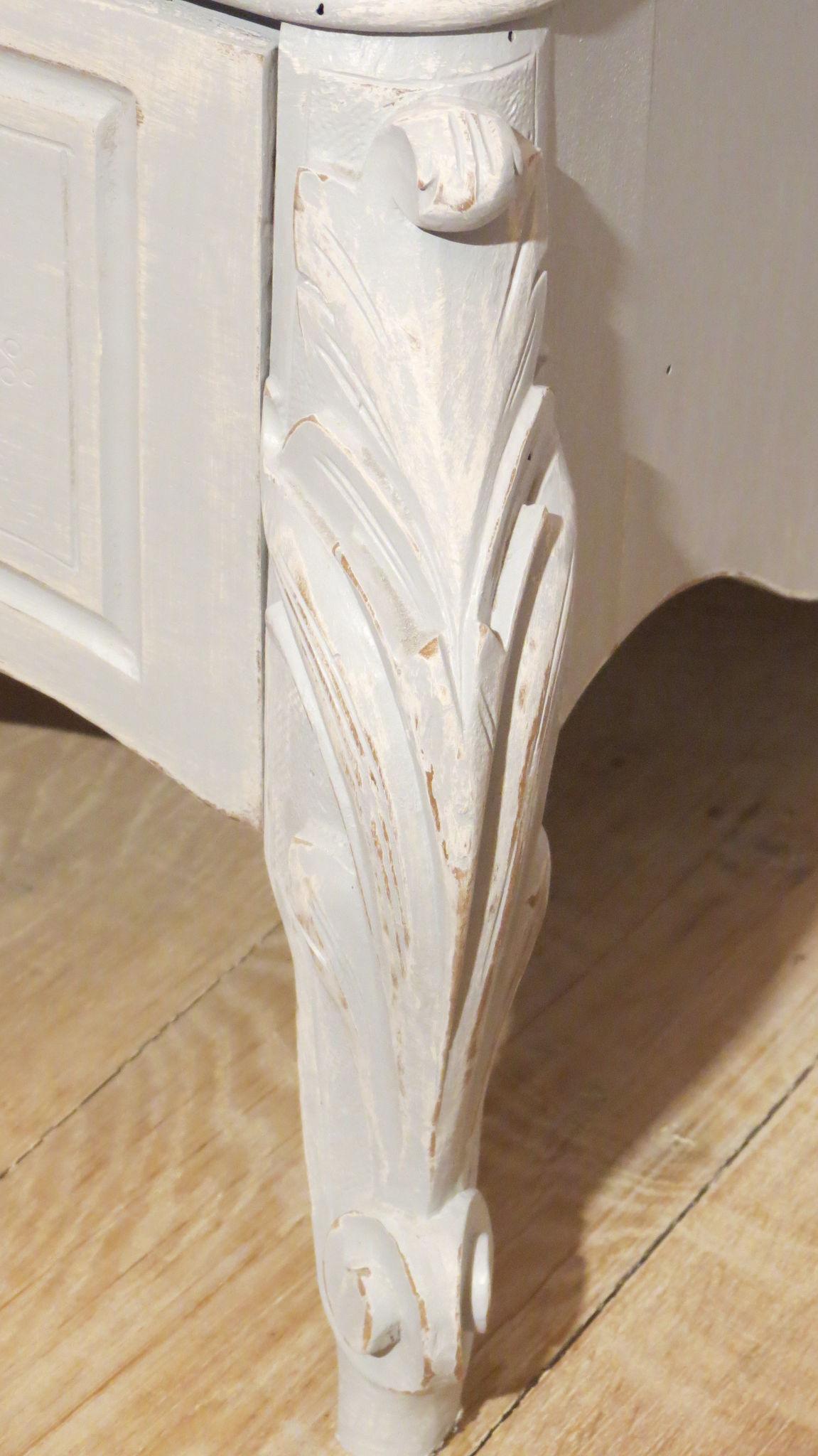 bonneti re grise et blanche les patines de sandrine. Black Bedroom Furniture Sets. Home Design Ideas