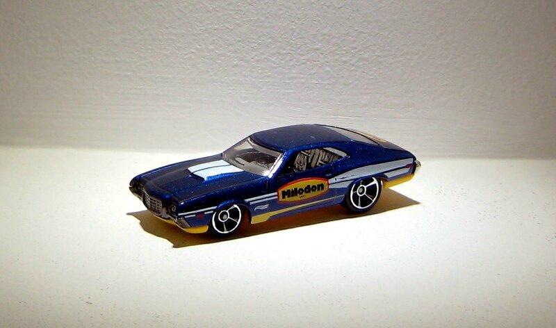 Ford gran torino sport de 1972 (2014)(Hotwheels)