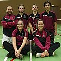 L'esn badminton monte au filet
