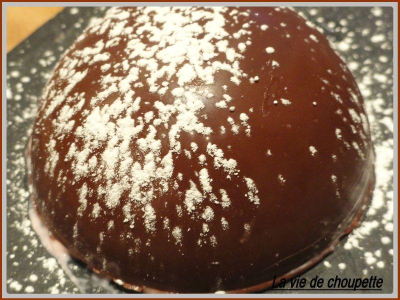 SPHERES CHOCOLAT NOIR MOUSSE AUX FRAMBOISES