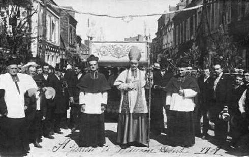 Jour de procession (1908)