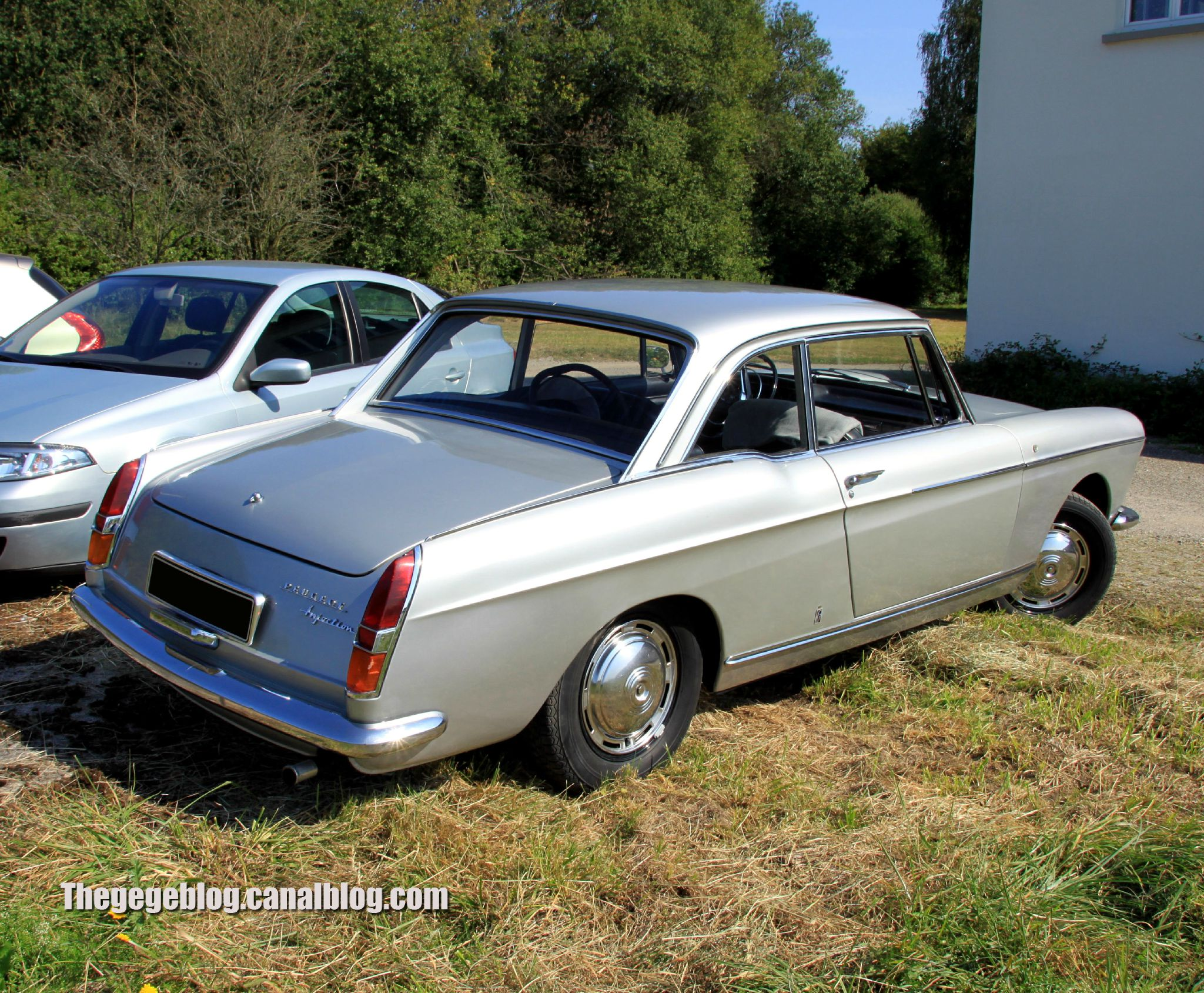 Peugeot 404 coup auto retro nord alsace betschdorf 02