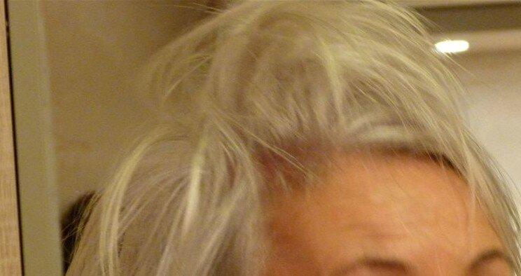 2-cheveux ébourrifés
