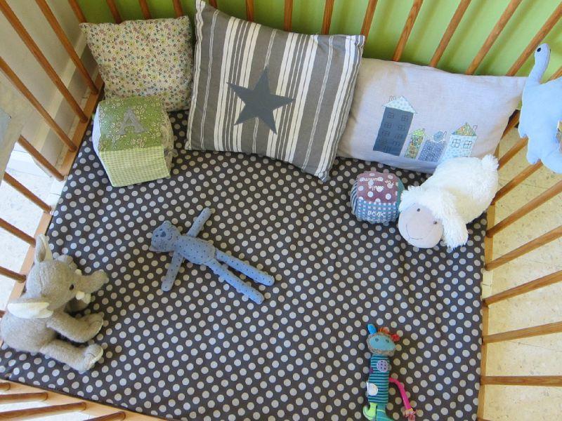 tapis doux pour mon baby miss orchid e. Black Bedroom Furniture Sets. Home Design Ideas
