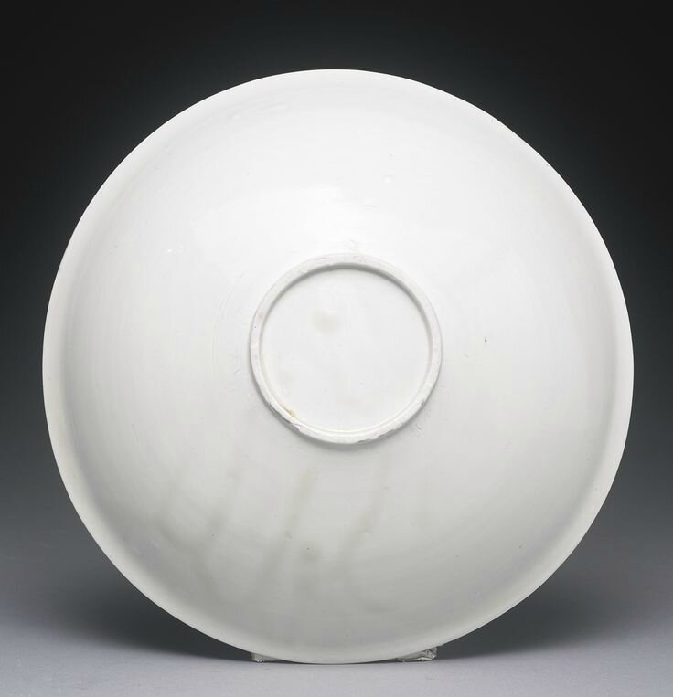 A finely carved 'Ding 'Lotus' bowl, Northern Song dynasty3
