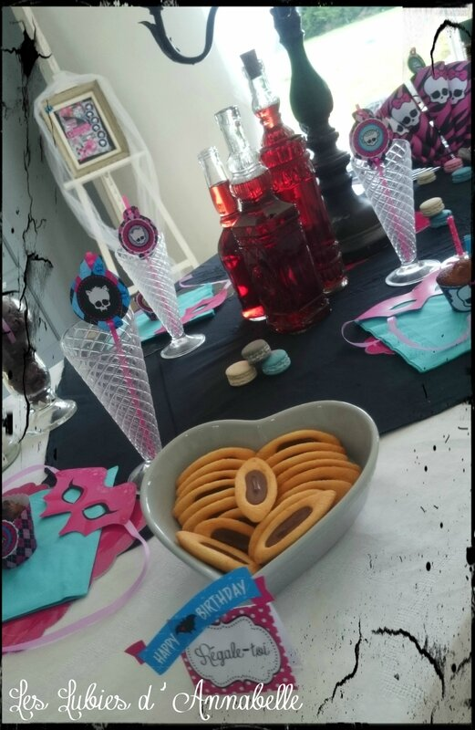 Table anniversaire Monster High 9 ans