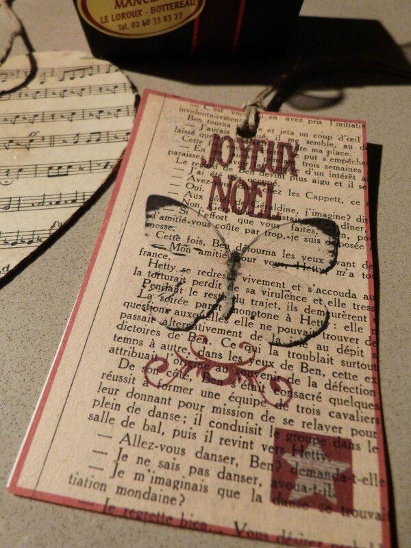Etiquette JOyeux Noel Papillon Charl (1)