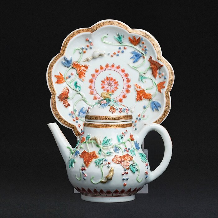 'Squirrel' Teapot on presentoir, China, Yongzheng period