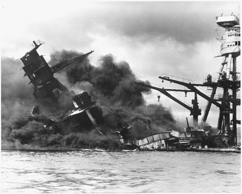 USS_Arizona_burning_Pearl_Harbor