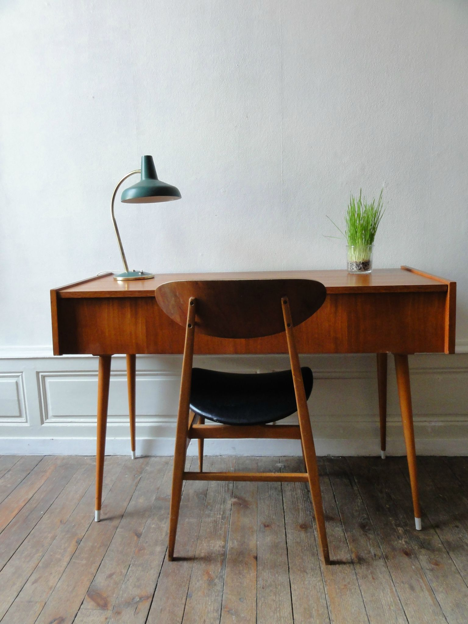 console ou bureau scandinave vintage moi. Black Bedroom Furniture Sets. Home Design Ideas