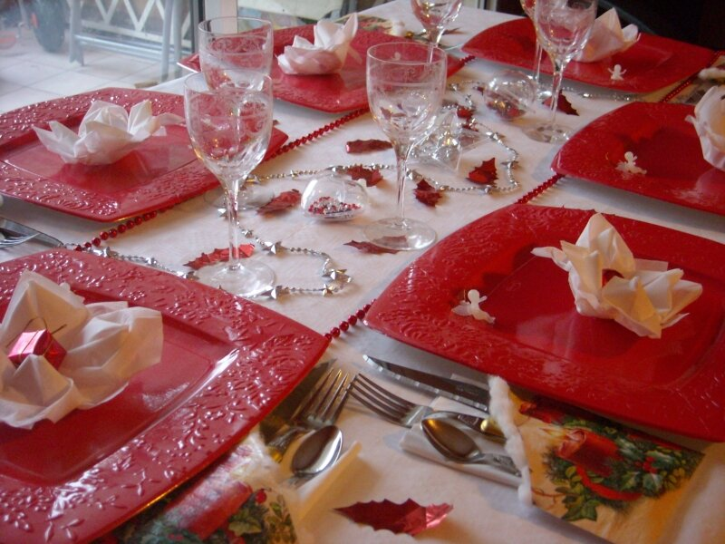 Table noel rouge et blanc photo de d coration de table - Decoration table de noel rouge et blanc ...