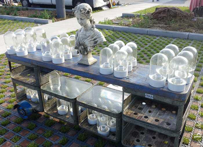 118 Braderie Lille 2017 Brocante Vide grenier Puces Cloches Statue