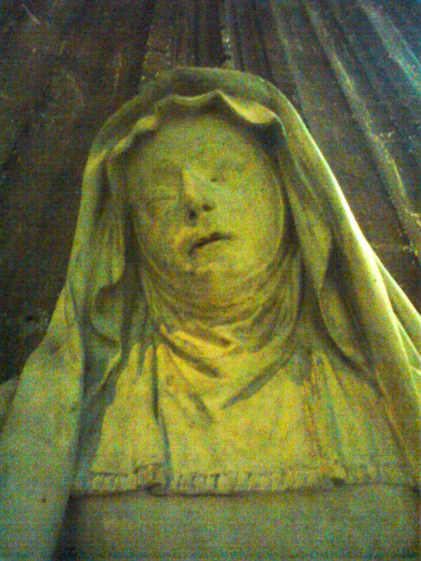 Basilique St Michel, la Vierge Douloureuse, détail