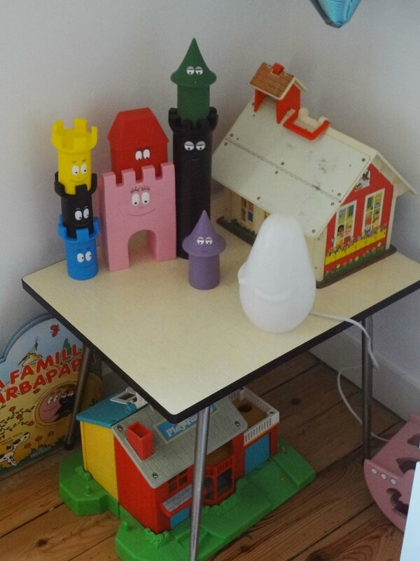 ecole fisher price - chateau Barbapap-table Formica