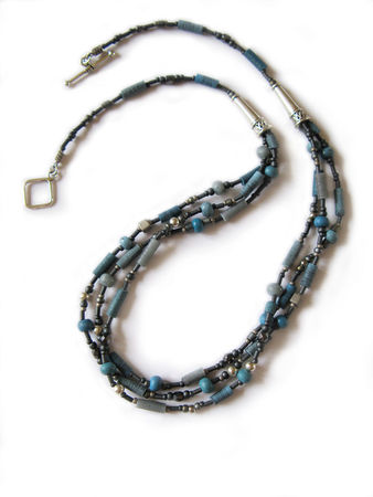 Collier_Multi_Bleu_250411