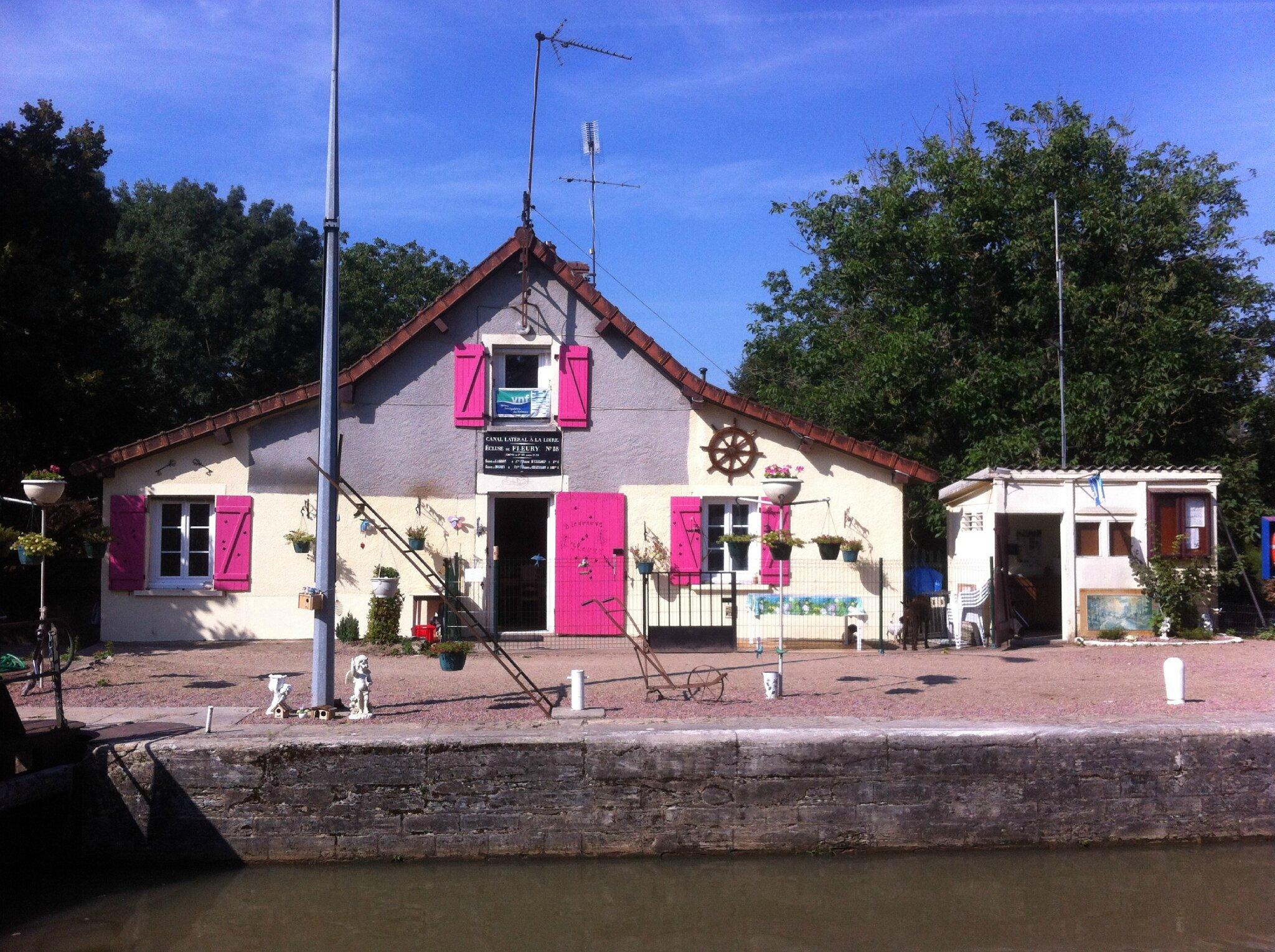 Fleury-Sur-Loire, écluse (58)