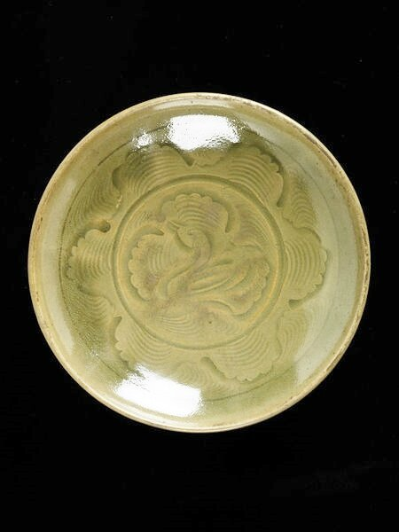 Dish, incised and glazed stoneware, Yaozhou ware, China, Northern Song dynasty (960-1127)