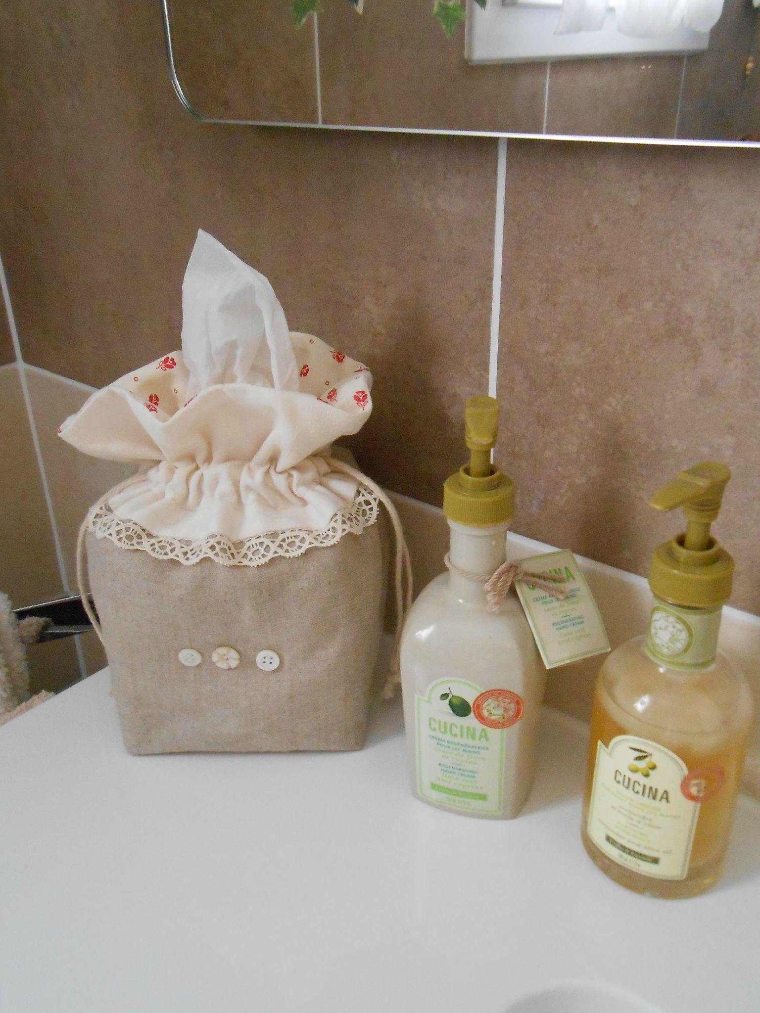salle de bain pochon mouchoirs papier