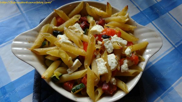 Penne courgettes-tomates-olives-feta (3)